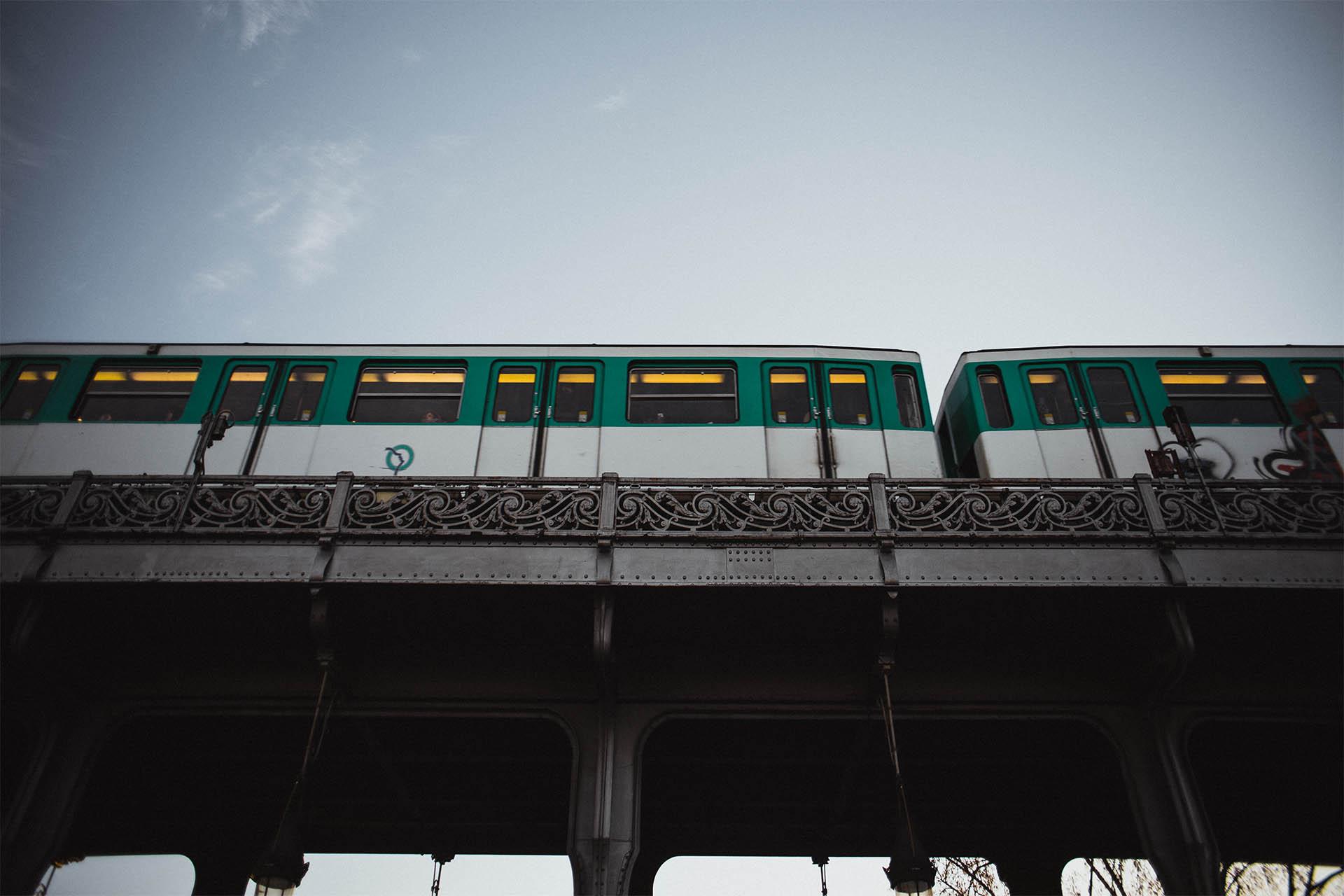 bir-hakeim_metro